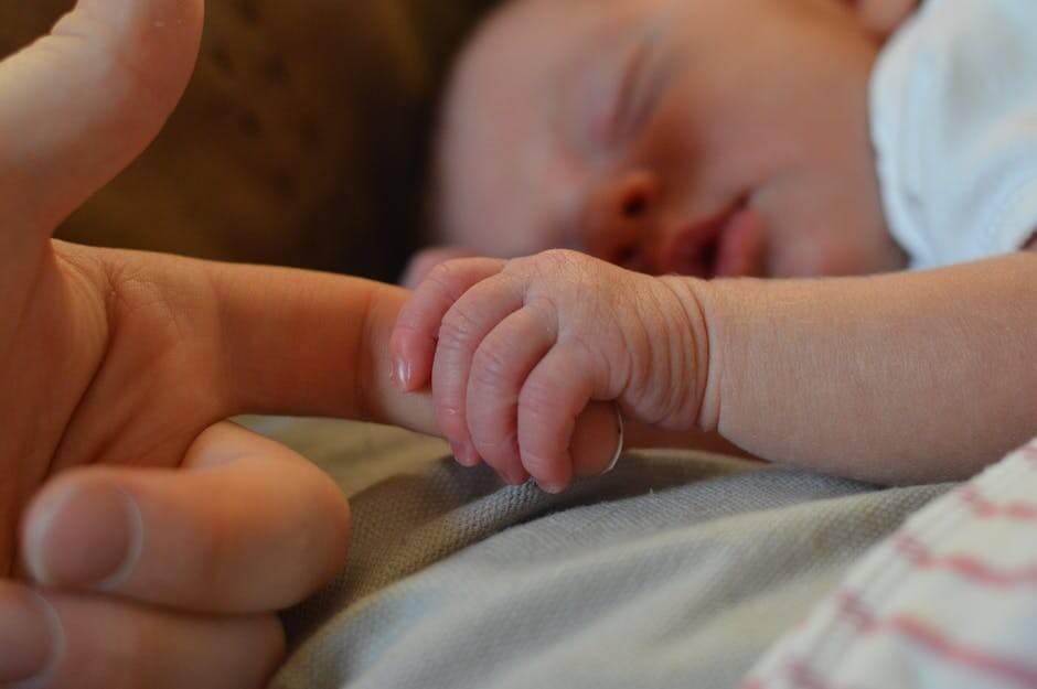 ¿Se puede enseñar a un niño a dormir?