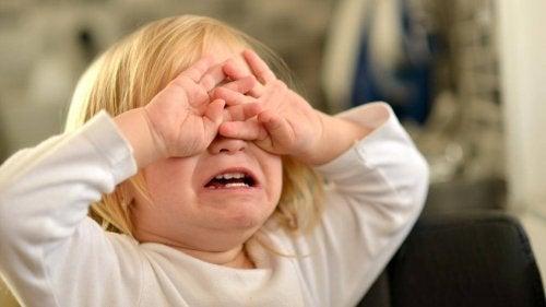 Tener rabietas es normal durante los primeros años de la infancia de un niños
