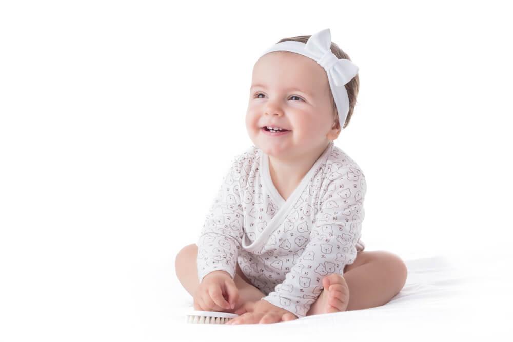 ¡Cuidado con el uso de bandas o cintas en los bebés!