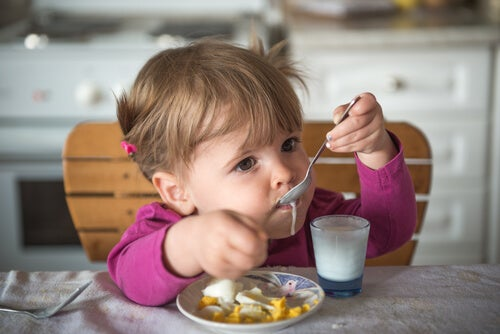 Disfrutando del yogur