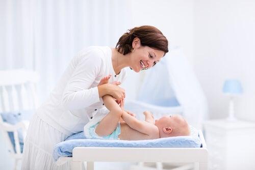 El cambiador de bebé debe adaptarse a las necesidades de los padres