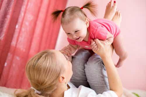 Ser madre joven por primera vez