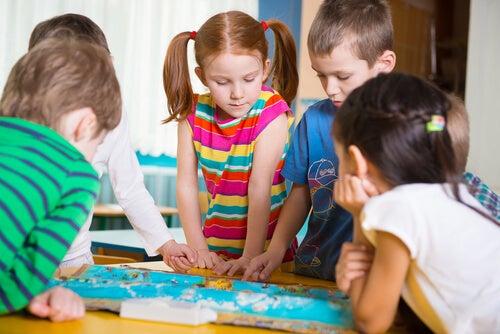 Los juegos de mesa ayudan a los niños a desarrollar sus capacidades cognitivas