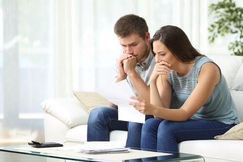 Dialogar es una buena forma de solucionar los problemas familiares