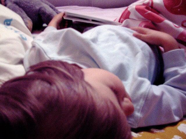 Ayudar a tu hijo a que no moje la cama