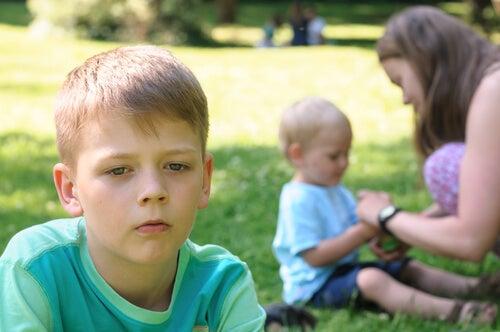 Los celos fraternales pueden derivarse muchas veces de las comparaciones entre hermanos