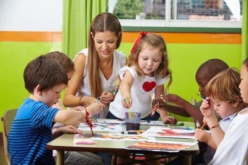 Las manualidades para niños les permiten expresarse de una forma alternativa