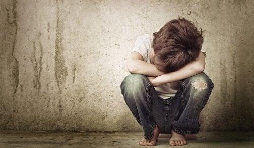 La negligencia emocional crea adultos poco asertivos