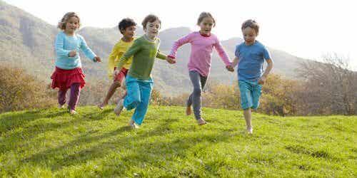 ¿Por qué los niños quieren emoción y riesgos en sus juegos?