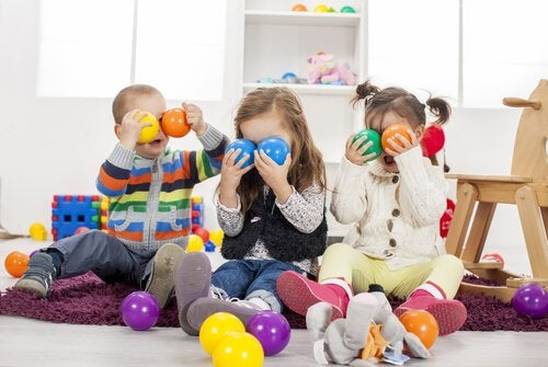 Regalar muchos juguetes al niño le puede perjudicar en el futuro