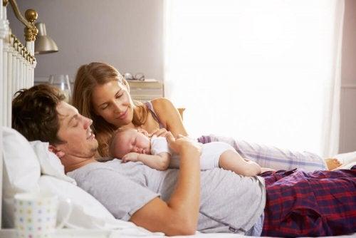 Dejarles dormir junto a los padres ¿sí o no?