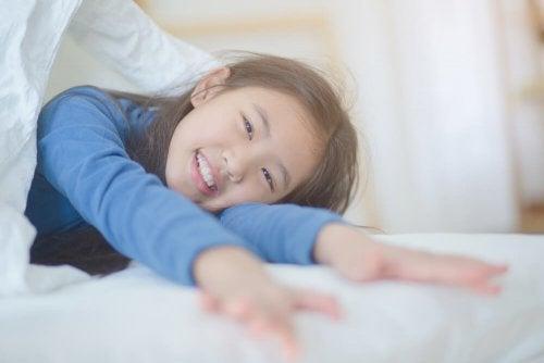 Cómo hacer para que mi hijo se despierte de buen humor