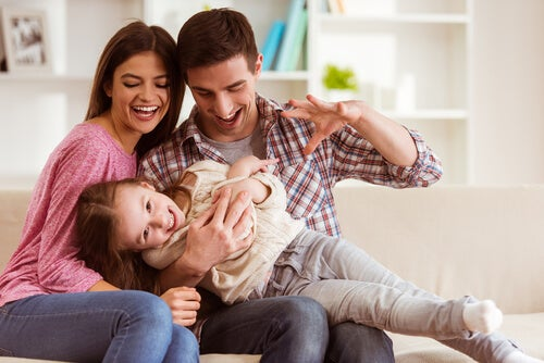 La educación positiva beneficia a toda la familia.