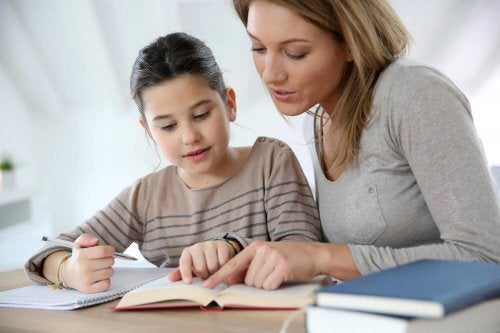 Los padres deben ayudar a los niños a prepararse para la vuelta al colegio y lo que ello implica.