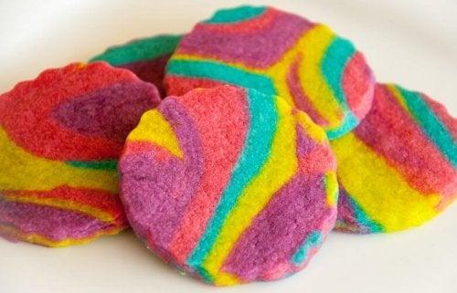 Un modelo de galletas arcoíris.
