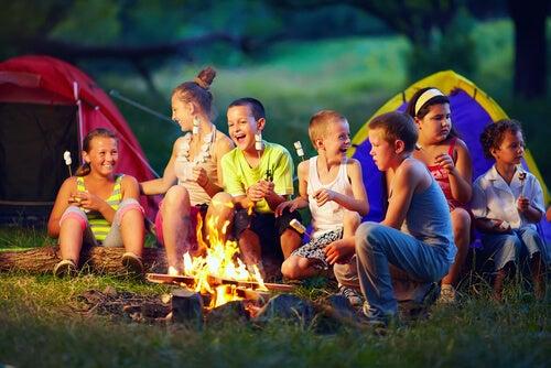 La diversión es uno de los motivos principales para ir de campamento.