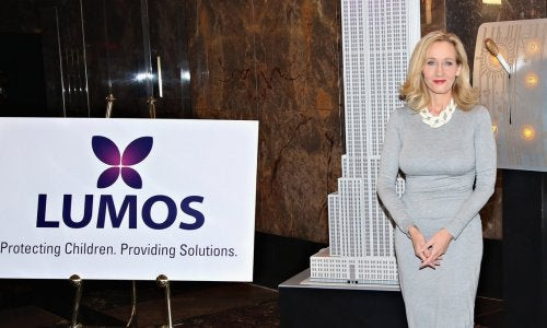 J.K Rowling, fundadora y presidenta de Lumos