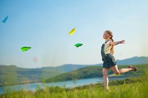 Practicar actividades al aire libre en familia ayuda a afianzar aprendizajes varios.