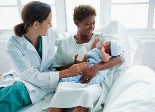 ¿Cuál es la misión del obstetra durante el embarazo?