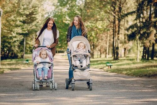 El carrito del bebé debe ser manejable y ajustable.