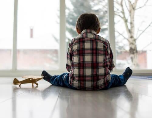 Los niños con encopresis tienden a aislarse.