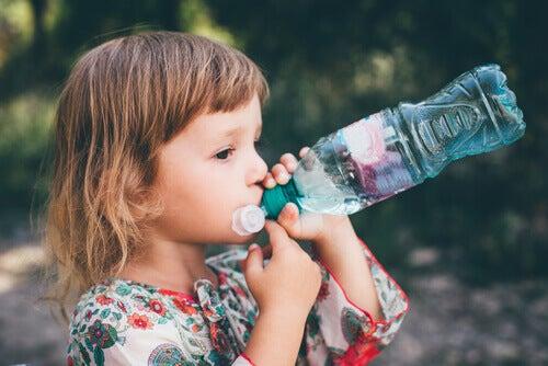 Uno de los problemas de la gastroenteritis en niños es la deshidratación.