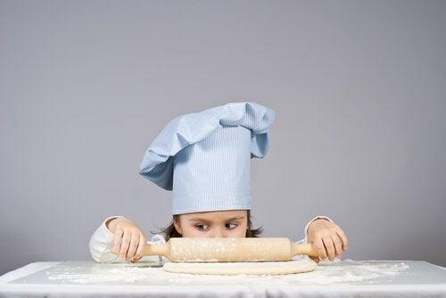 Cocinar con niños: las mejores recetas para elaborar con ellos