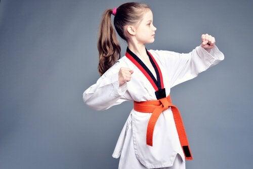 Las artes marciales para niños presentan muchos beneficios.