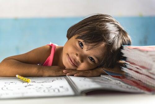 Apadrinar una niña es una forma de darle oportunidades de crecer.