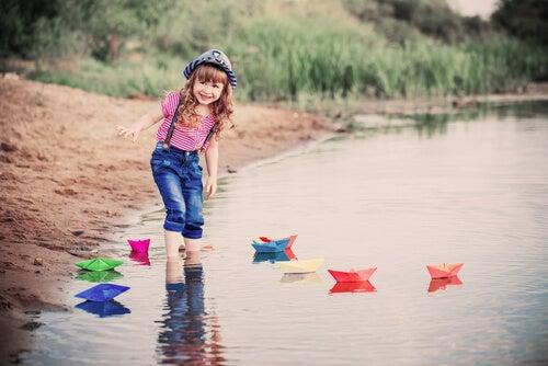 Dejar a los niños que tengan libertad es una de las misiones de los padres.