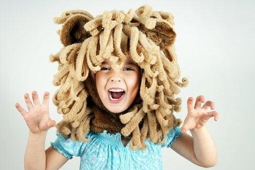 De seguro te has preguntado alguna vez por qué los niños juegan a ser animales.