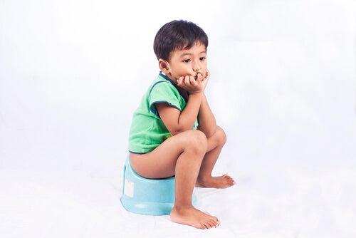 Estreñimiento en niños: ¿qué lo causa y cómo se soluciona?