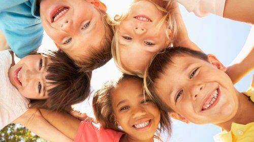 Hacer a un niño feliz es muy fácil.