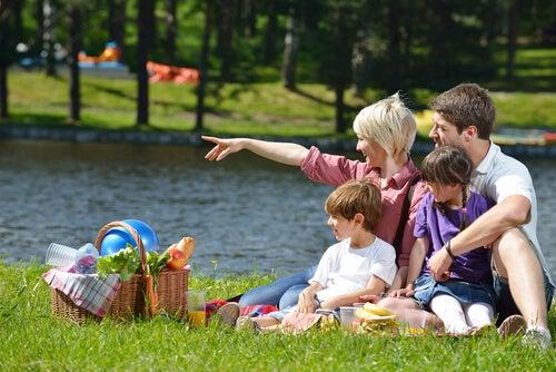 Un picnic es una buena opción para compartir y salir de la rutina