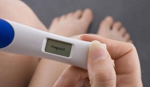 Los métodos digitales están entre los tests de embarazo más seguros.