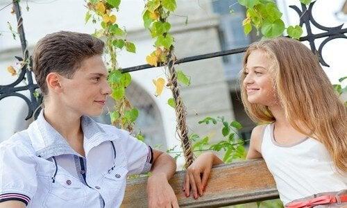 El primer noviazgo durante la adolescencia