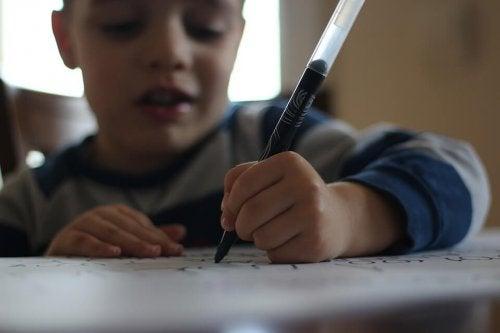 La dislexia es un problema de aprendizaje común.