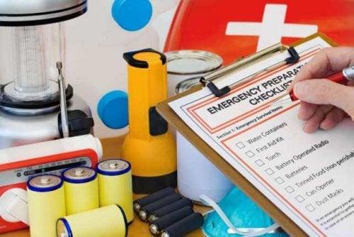 El botiquín de primeros auxilios de la casa tiene la función de garantizar la tranquilidad de la familia ante emergencias.