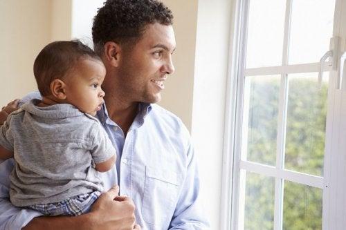 La baja por paternidad es un derecho en expansión.
