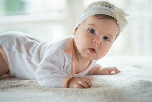 Es normal que a mi bebe le da mucho hipo en la barriga