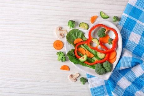 Las comidas saludables y nutritivas son clave para ayudar a un adolescente con anorexia.