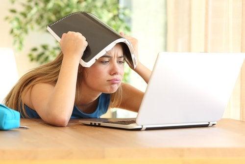 El estrés académico en adolescentes puede ser causante de otras enfermedades.