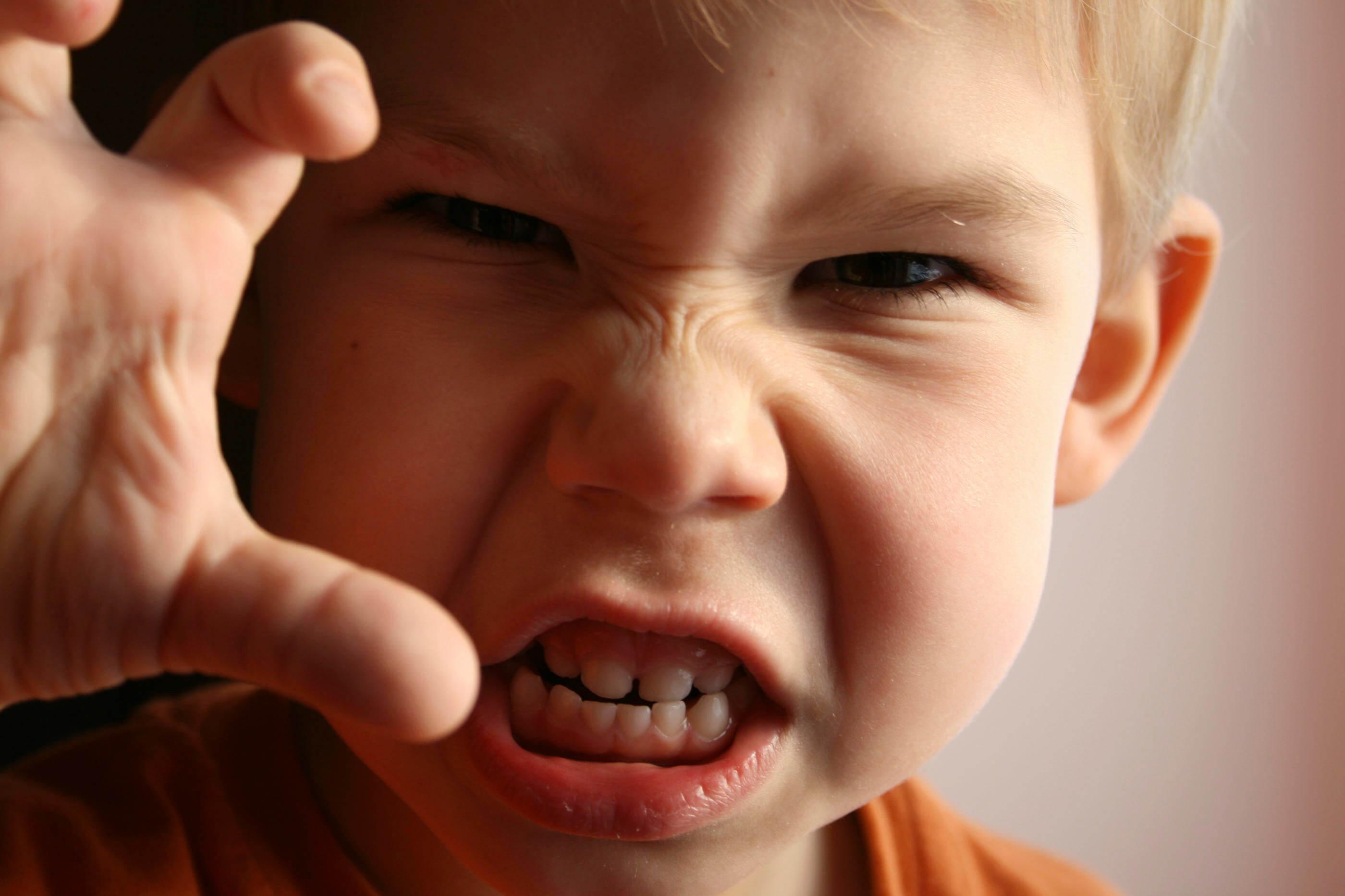 Cómo lidiar con la ira en los niños siendo padres es todo un reto.