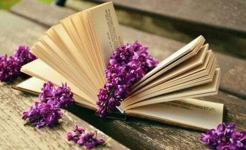 Libro de poesía.