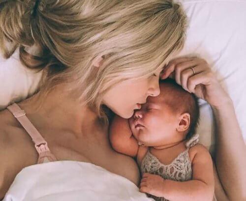 Ser mamá joven: ventajas y consejos