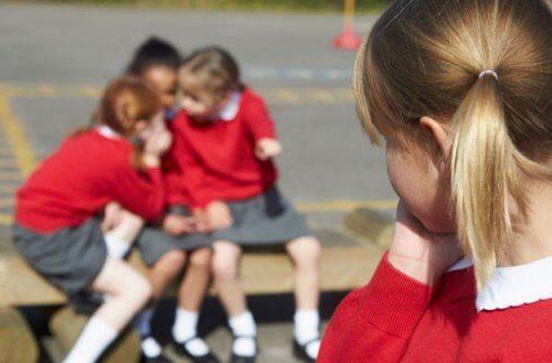 El acoso escolar genera grandes sufrimientos en los niños que lo padecen.