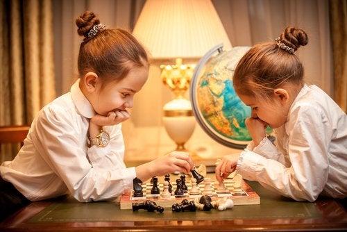 El ajedrez es otro de los típicos juegos que nunca pasan de moda.