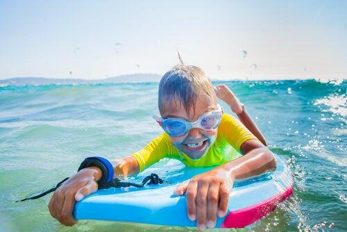 el surf para niños.