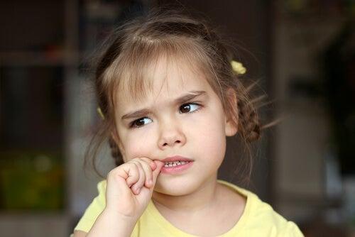 ¿Cuándo debes preocuparte por la onicofagia en niños?