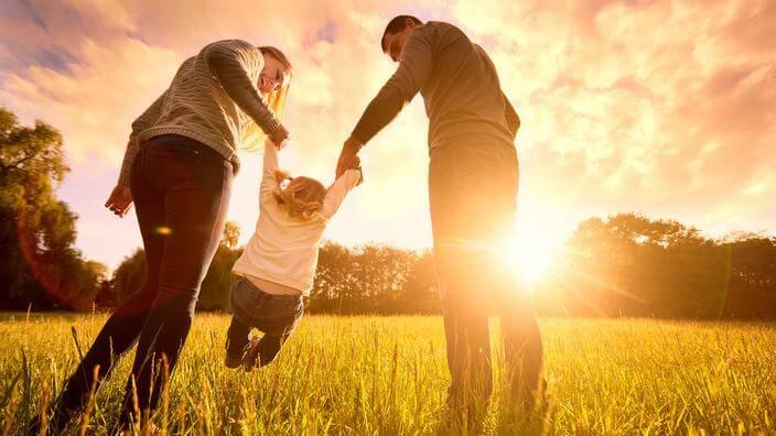 Verbalizar el afecto es ideal para educar con amor.